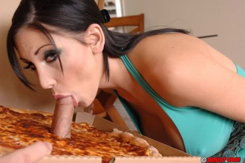 Big Sausage Pizza Mindy
