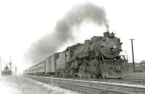 spaventosa_locomotiva_a_vapore
