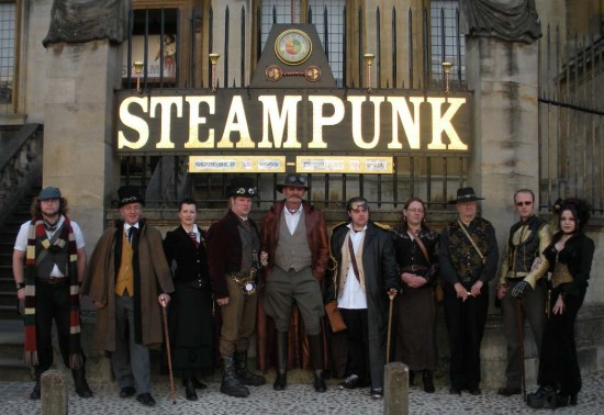 Oxford_Steampunk_rowd_small