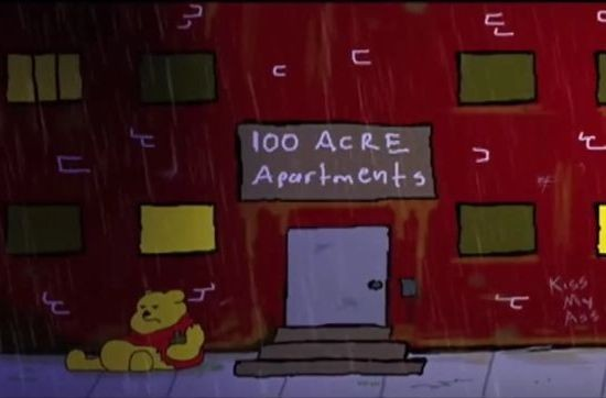 Winnie the Pooh, un alcolizzato sempre stravaccato all'ingresso del condominio in cui vive Mickey.