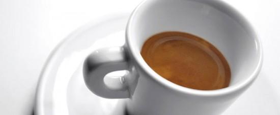 Un espresso un po' migliore. Se fosse 100% arabica la crema potrebbe essere pure più chiara.