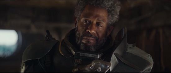 Saw Gerrera: vecchio, stanco, senza le gambe, vive dentro un'armatura che non pare proprio comodissima e quando gli prende una crisi deve usare il respiratore e ansima come Darth Vader. Allegria!